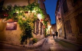 romantic street.jpg