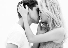 robin and annie kiss